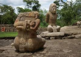 Alcune statue Maya