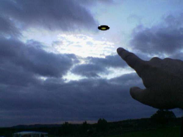PER ANSBRO, NON DOBBIAMO AVERE PAURA DEGLI UFO...