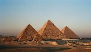 LE PIRAMIDI DELLA PIANA DI GIZA, IN EGITTO