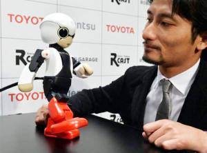 IL PROGETTATORE ROBOTICO TOMOTAKA TAMASHI