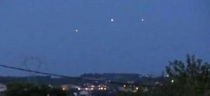 UNA DELLE TANTISSIME FOTO DI UFO PRESENTI SUL WEB