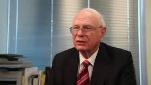 L'EX MINISTRO CANADESE PAUL HELLYER