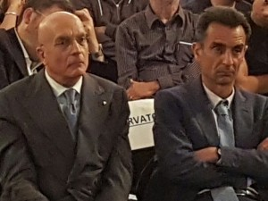 IL PROFESSOR CAPOZZIELLO ACCANTO AL SENATORE ALBERTINI ( A SINISTRA)