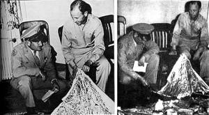 LE IMMAGINI DELL'8 LUGLIO 1947: I MILITARI MOSTRANO IL PALLONE SONDA