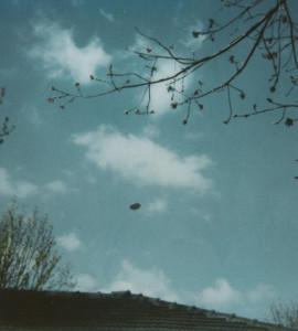 L'UFO RIPRESO DA PADRE E FIGLIO A MELBOURNE