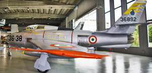 UN THUNDERSTREAK F84-F