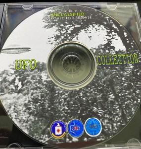 IL CD-ROM DELLA CIA IN UNA FOTO DI JOHN GREENWALD