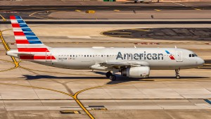 UN AIRBUS A320 DELL'AMERICAN AIRLINES