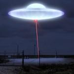 UN'ELABORAZIONE GRAFICA DI UN UFO CHE COLPISCE UN SITO NUCLEARE